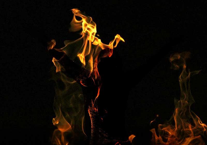 A través Del Proceso Del Fuego
